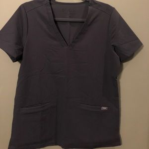 Figs Casma Scrub Top in Discontinued Charcoal.